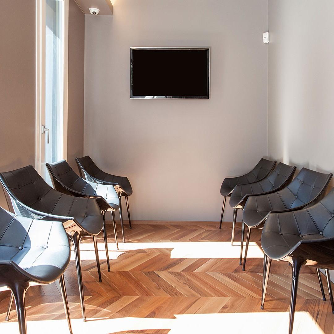 Sala d'attesa - Dott. Giuseppe Marras: Studio Dentistico - Jesi - Via Polonia, 1 (AN)