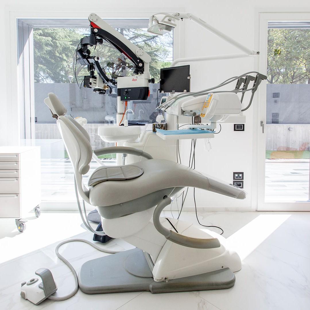 servizi 4 - Dott. Giuseppe Marras: Studio Dentistico - Jesi - Via Polonia, 1 (AN)